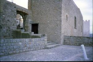 Imagen del acceso creado desde la Capilla de Cuadrangular (o dels Joans) hasta el baluarte de Santa Tecla.